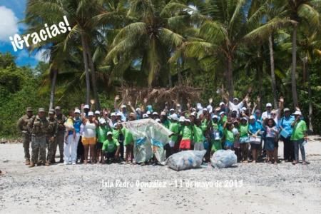 Limpieza de playa - Isla Pedro González